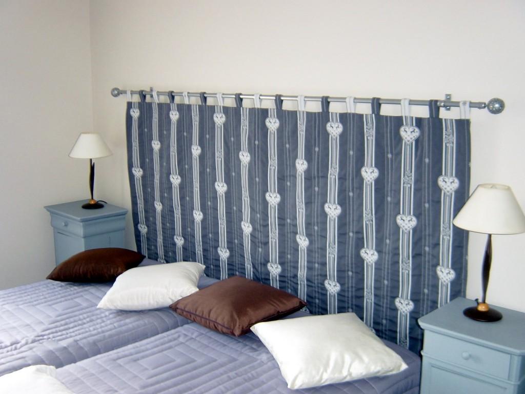 Chambre lin - 2 lits simples avec tête de lit